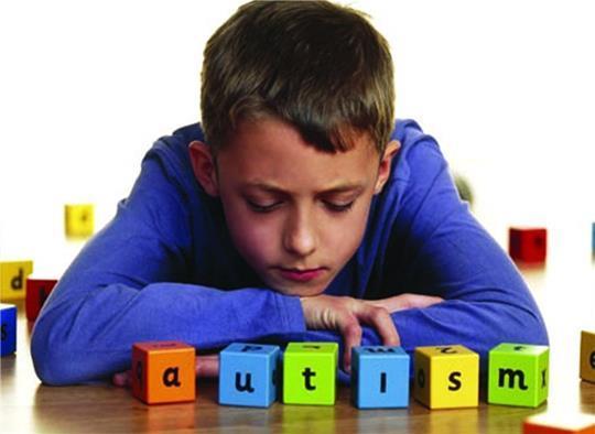 Первые признаки, проявления и симптомы аутизма