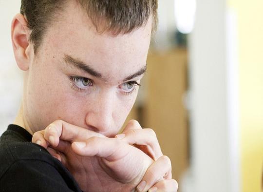 Симптомы аутизма у подростка